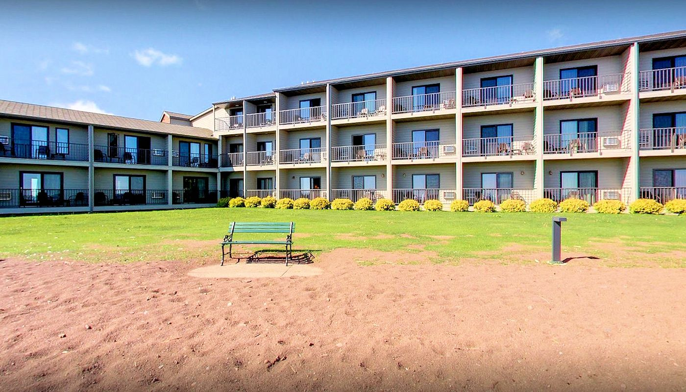 Beautiful North Shore Lakefront Views - Best Western Grand Marais
