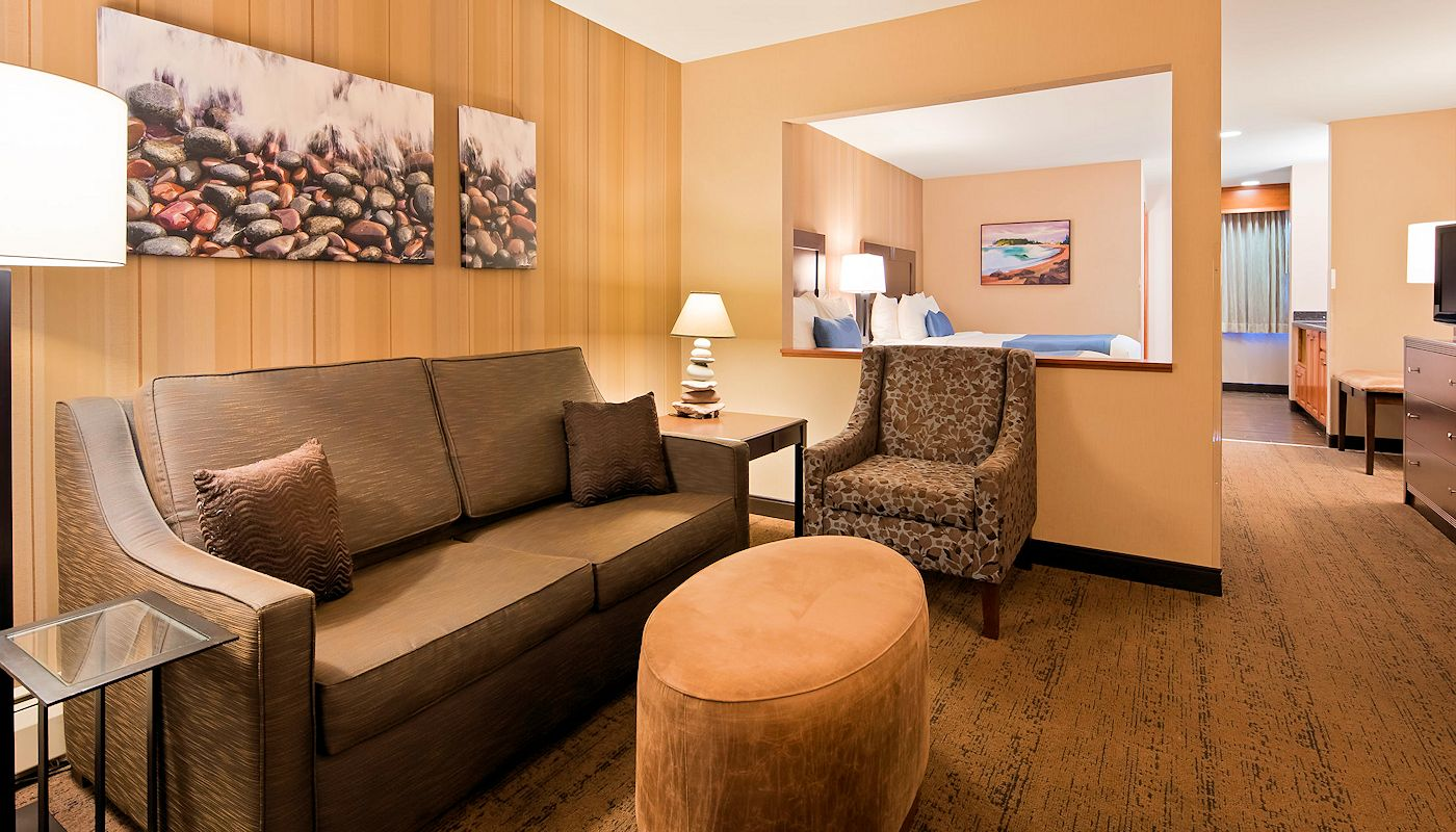 Superior Luxury Suite - Superior Inn Grand Marais