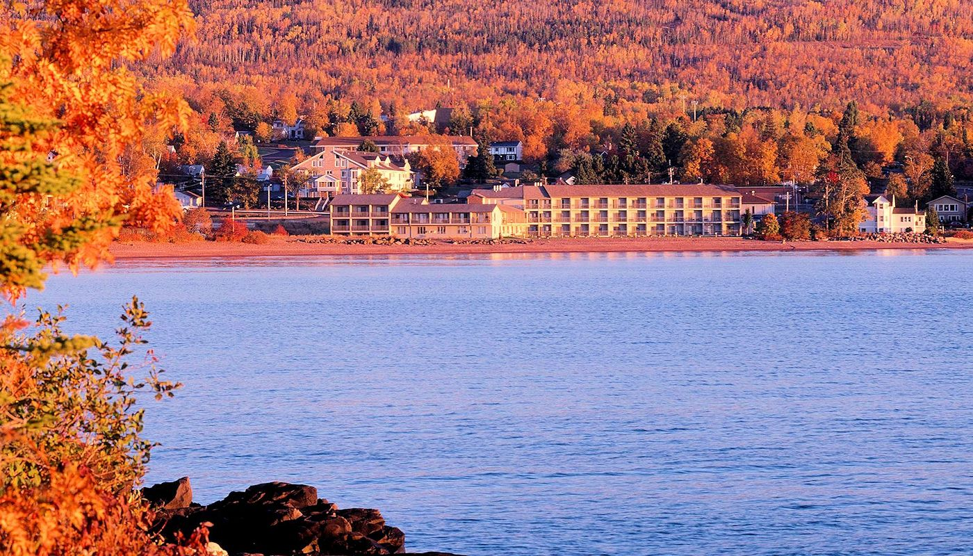 Beautiful Fall North Shore Views - Best Western Grand Marais