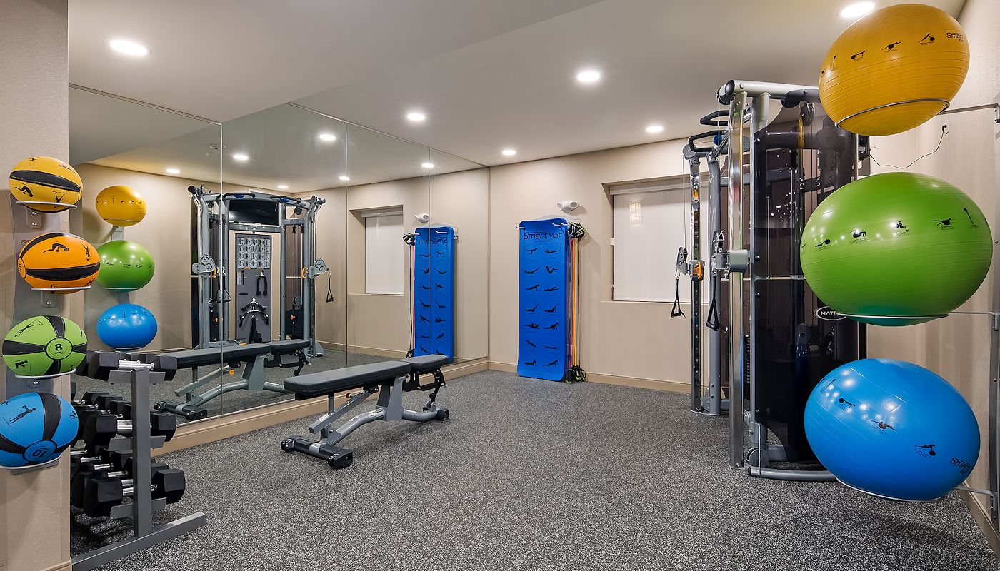 24-Hour Hotel Fitness Center - Best Western Grand Marais